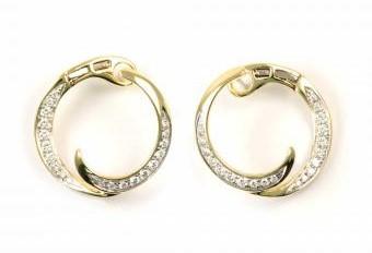 Circle Diamond Wave Earrings