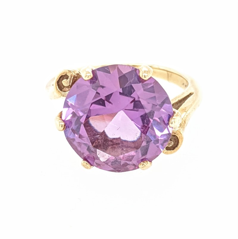 Color Change Syn. Corundum Ring