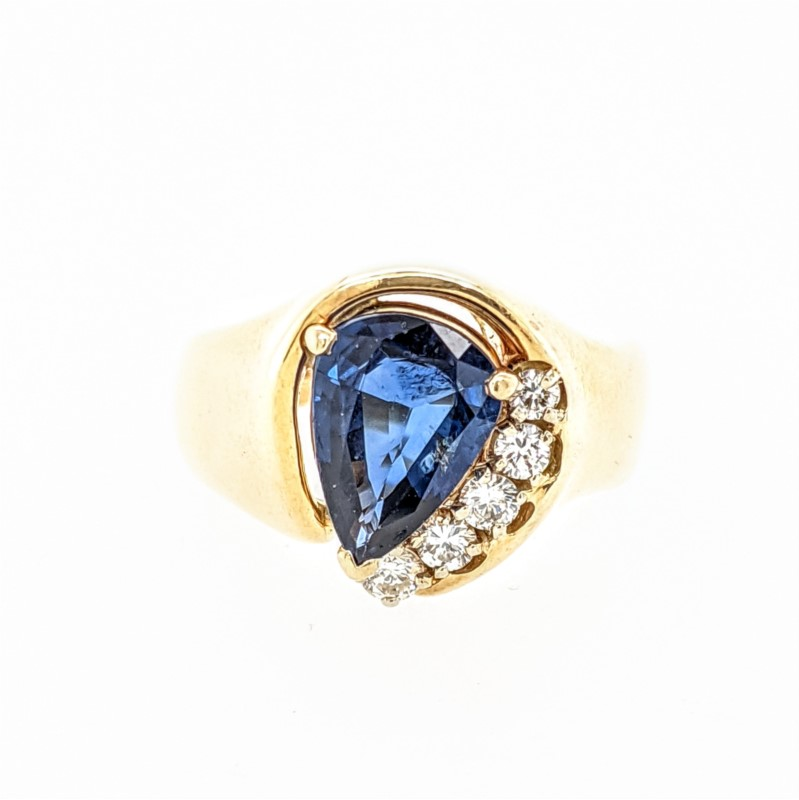 Pear Shape Sapphire Ring